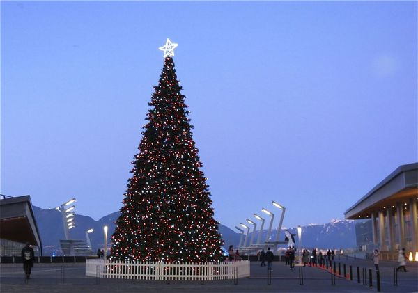 Lights and sights at canada place the winter waterfront for Vancouver parade of homes