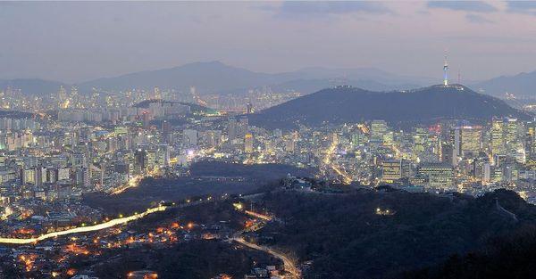 Night Hike Seoul  Kim Shin