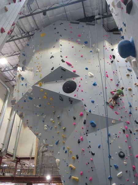 9924 Mesa Rim Rd | San Diego Lab Spaces