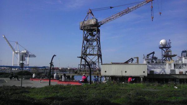alameda ferry cranes