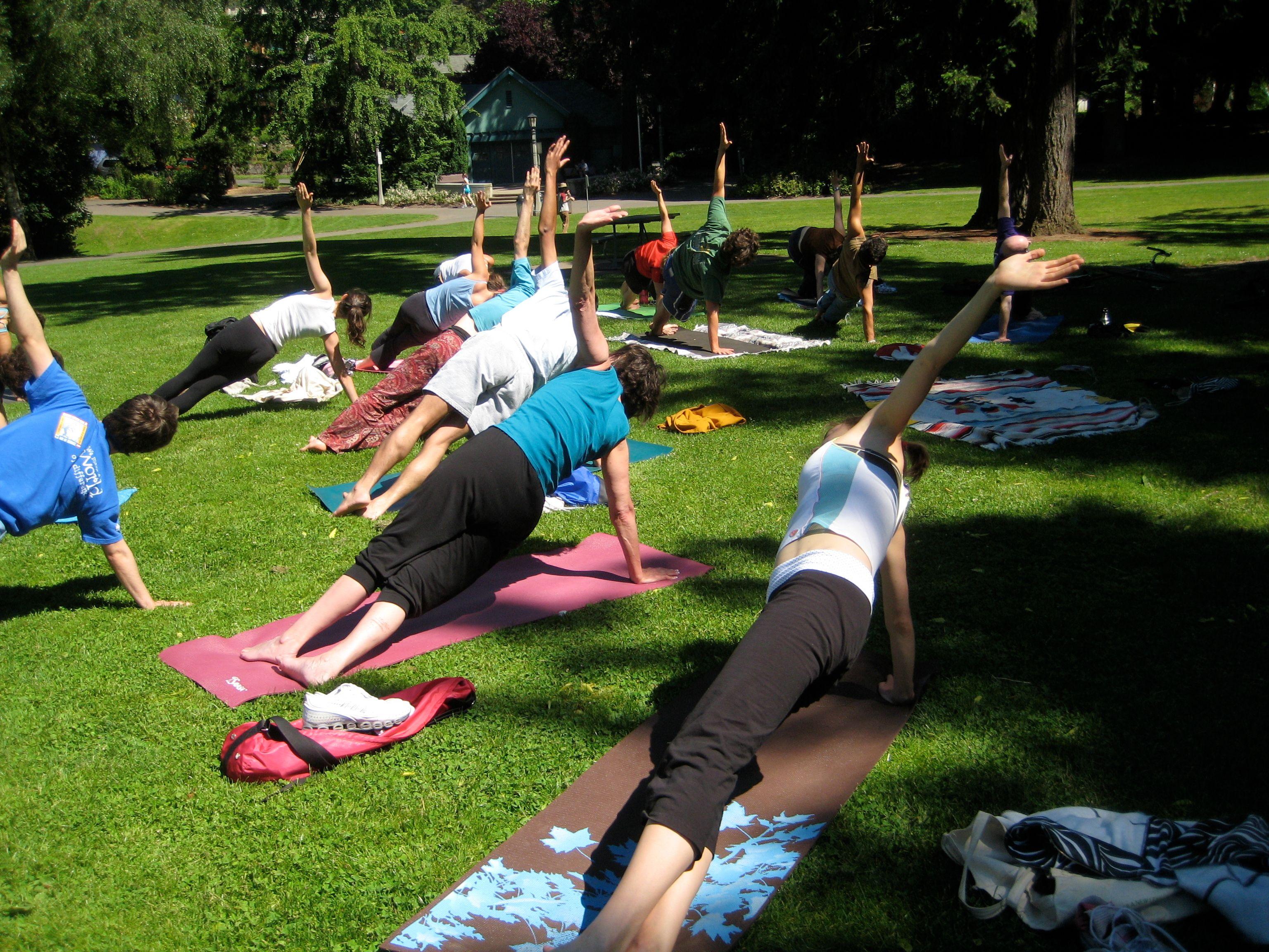 Portland Yoga Meet Up in Laurelhurst Park