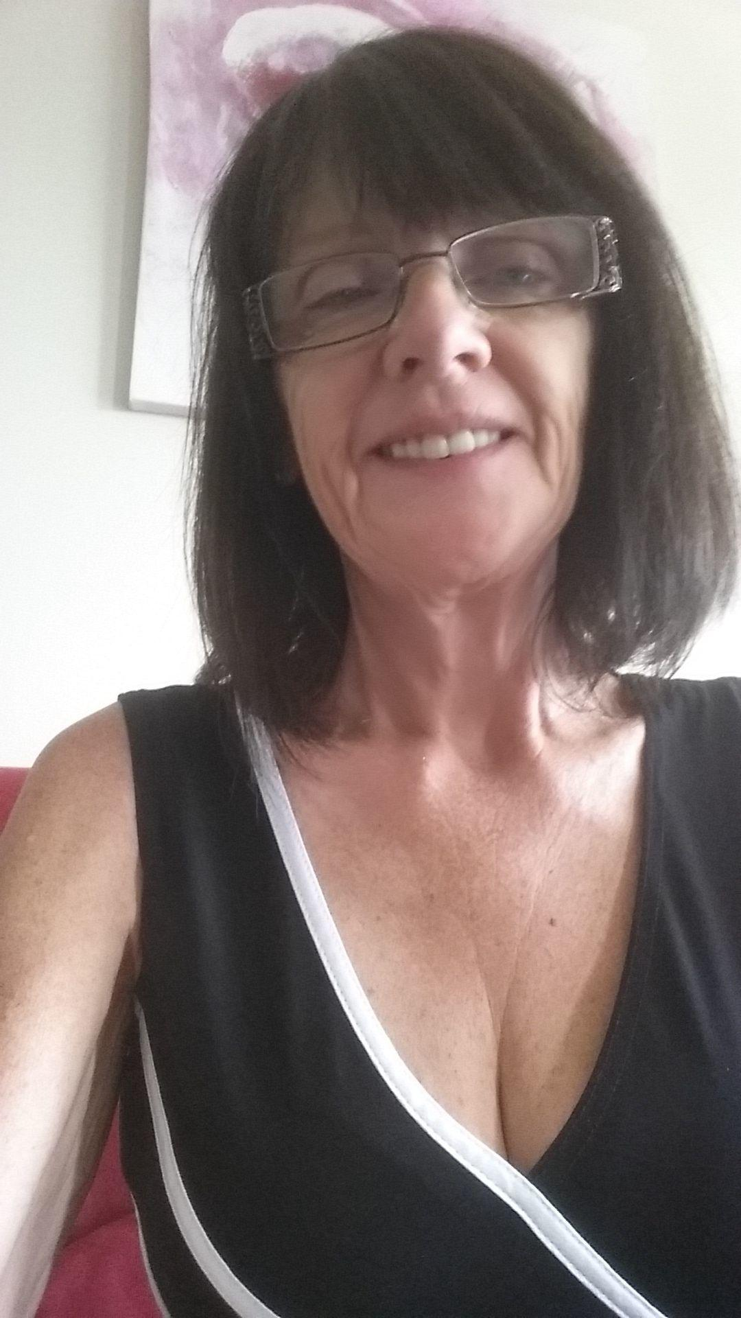 Michelle - Mature Singles Social Group (Kitchener, ON